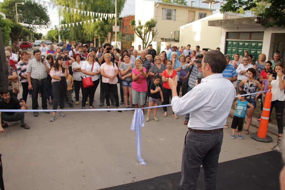 Jaime Méndez inauguró el nuevo pavimento de Mateo Bootz